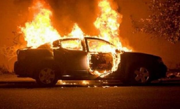 U dogj një veturë në pjesën matanë Ibrit